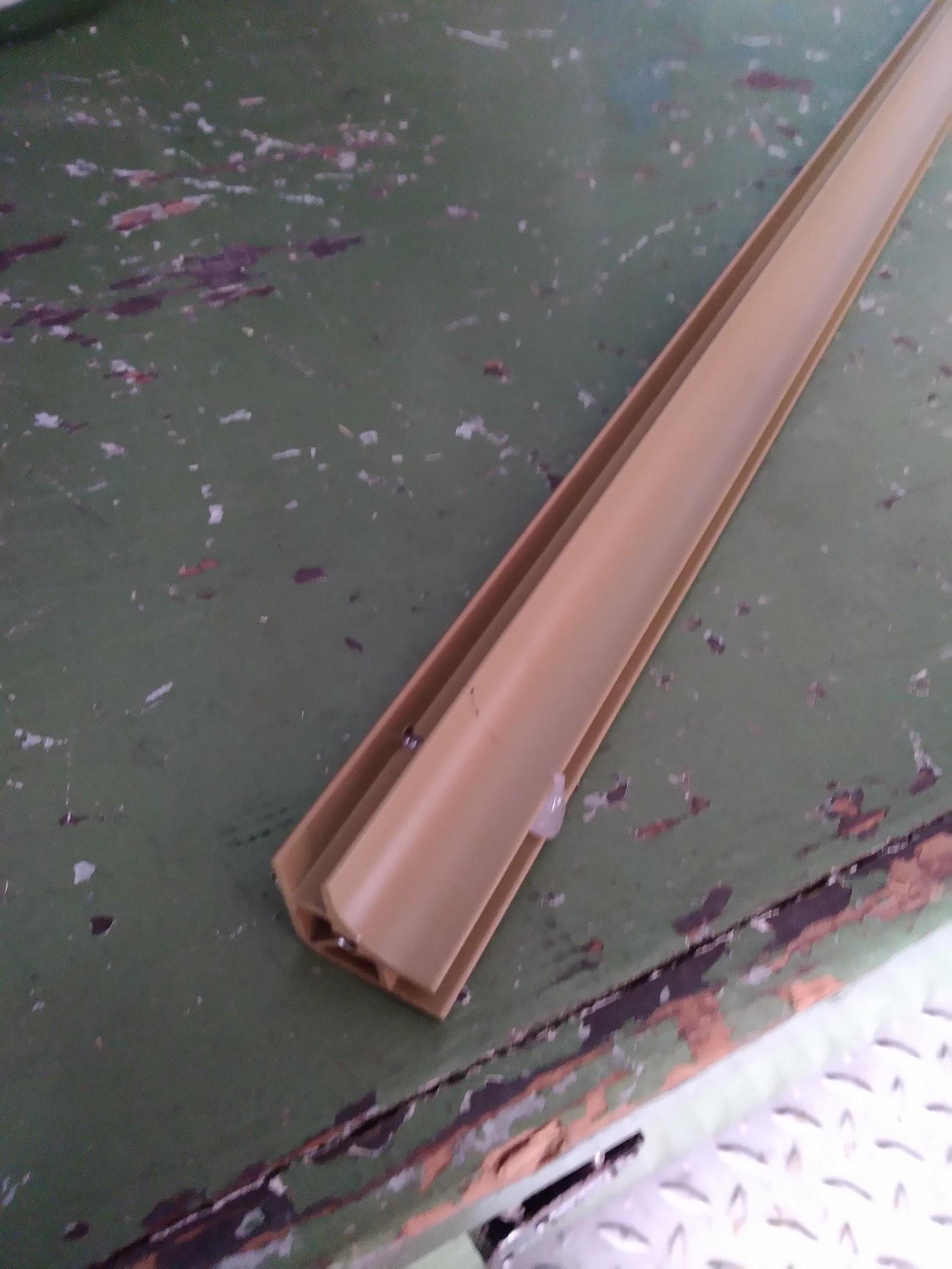 Führung für Scheiben/Metallhaltestangen 4oz (2404EX)