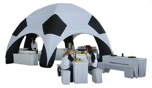 Soccer Dome, aufblasbares Zelt im Fussballdesign